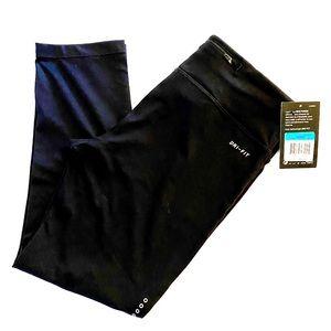 NWT Nike essential women's dri fit leggings - sz M